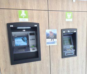 renovation de guichet de banque revêtement effet bois