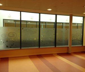 cloisons de bureaux vitrées par un adhésif vinyl dépoli